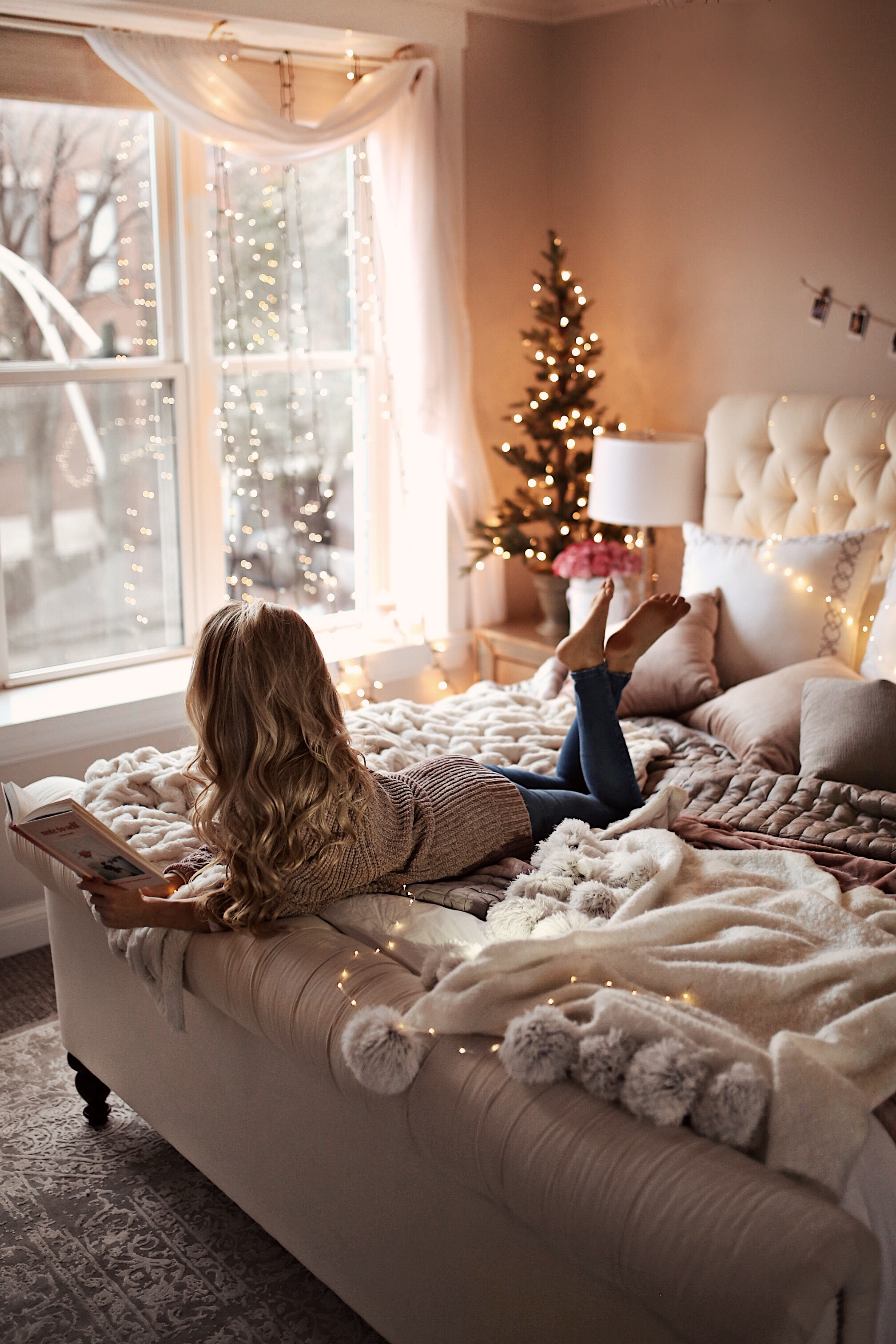 7 Holiday Decor Ideas For Your Bedroom