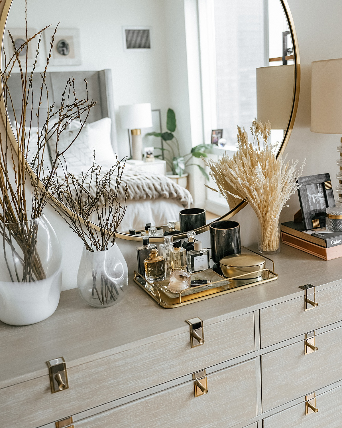 Brooklinen, nyc apartment, best sheets, olivia rink bedroom, olivia rink apartment, olivia rink bedroom, brooklinen sheets, affordable sheets, new york life, new york apartment, nyc living, west elm, kathy kuo home, home decor, bedroom decor, spring branches,