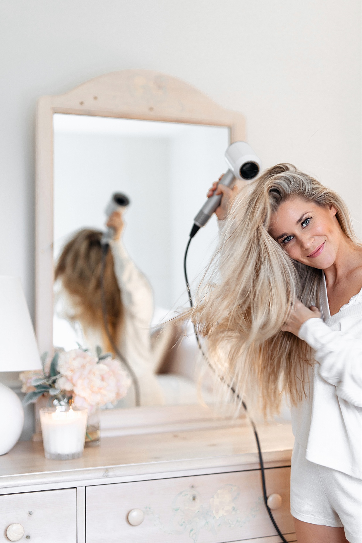 dyson hairdryer, dyson hairdryer review, dyson hair dryer, dyson hair dryer review, blogger dyson hairdryer, olivia rink dyson hair dryer, olivia rink hair, olivia rink hair dryer, dyson supersonic hair dryer, dryson supersonic, olivia rink hair tips