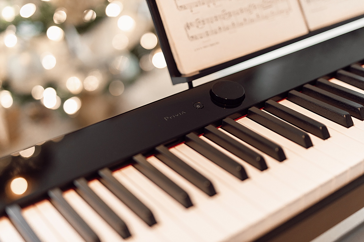 casio keyboard, casio, casio america, keyboard, christmas gift ideas, 2020 christmas gift ideas, digital keyboard, olivia rink keyboard, olivia rink piano, piano, midwest blogger